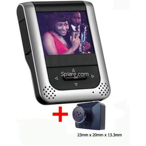 Spy cam occultata dietro un bottone da camicia e mini DVR videoregistratore