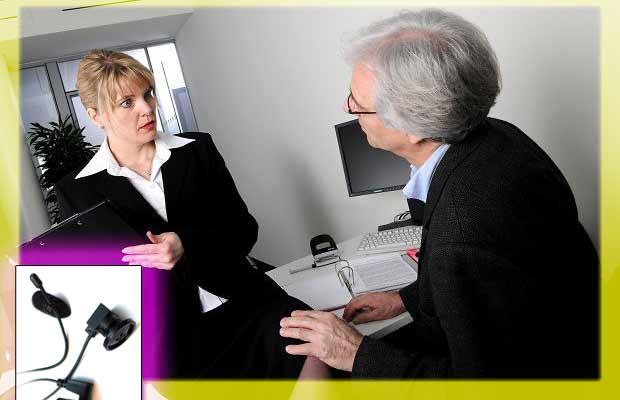 Microtelecamera spia bottone molestie mobbing in ufficio